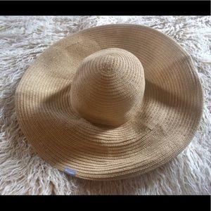 NWOT-Columbia Packable Wide Brimmed Hat-L/XL